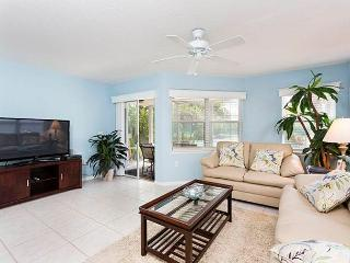 Gulf & Bay Club: Bayside, 2 Bedrooms, Ground Floor, 2 Pools, Gym, Sleeps 6 - Siesta Key vacation rentals
