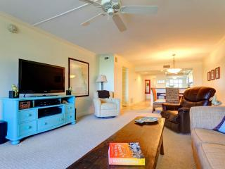 Gulf and Bay Club 305C, 2 Bedrooms, 3 pools, Gym, Spa, WiFi, Sleeps 6 - Siesta Key vacation rentals