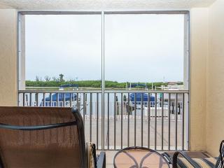 Casa Bonita Royale 107, 2 Bedroom, Bay Front, Pool Heated, Sleeps 4 - Survey Creek vacation rentals