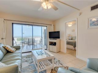 Carlos Pointe 113, 2 Bedrooms, Gulf Front, Elevator, Heated Pool, Sleeps 6 - Fort Myers Beach vacation rentals