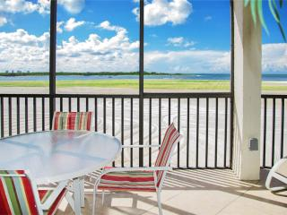 Carlos Pointe 236, 2 Bedrooms, Gulf Front, Elevator, Heated Pool, Sleeps 6 - Fort Myers Beach vacation rentals