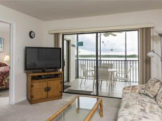 Carlos Pointe 422, 2 Bedrooms, Gulf Front, Elevator, Heated Pool, Sleeps 6 - Fort Myers Beach vacation rentals