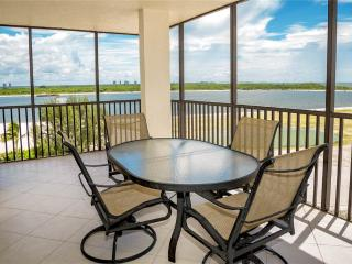 Carlos Pointe 611, 2 Bedrooms, Gulf Front, Elevator, Heated Pool, Sleeps 6 - Fort Myers Beach vacation rentals