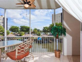 Casa Marina 612-6,2 Bedroom, Canal Front, Pool, Elevator, WiFi, Sleeps 6 - Fort Myers Beach vacation rentals