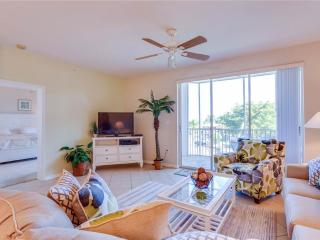 Casa Marina 623-6, 2 Bedroom, Canal Front, Pool, Elevator, WiFi, Sleeps 6 - Fort Myers Beach vacation rentals
