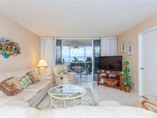 Sun Caper 208, 2 Bedrooms, Gulf Front, Elevator, Heated Pool, Sleeps 6 - Fort Myers Beach vacation rentals