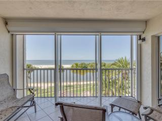 Sun Caper 308, 2 Bedrooms, Gulf Front, Elevator, Heated Pool, Sleeps 4 - Fort Myers Beach vacation rentals