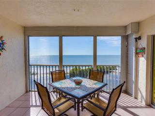 Sun Caper 808, 2 Bedrooms, Gulf Front, Elevator, Heated Pool, Sleeps 4 - Fort Myers Beach vacation rentals