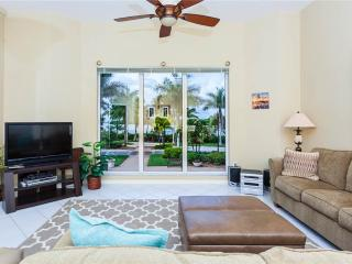 Waterside 114, 3 Bedroom, Ground Floor, Elevator, Heated Pool, Gym, Sleeps6 - Fort Myers Beach vacation rentals