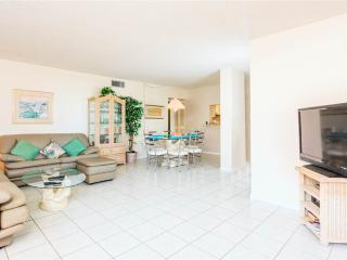 Sandarac A702, 3 Bedrooms, Gulf Front, Elevator, Heated Pool, Sleeps 6 - Fort Myers Beach vacation rentals