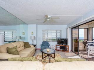 Sandarac B609, 2 Bedrooms, Gulf Front, Elevator, Heated Pool, Sleeps 4 - Fort Myers Beach vacation rentals