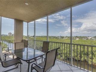 Estero Bay 401, 3 bedrooms, Elevator, Heated Pool, Tennis, Sleeps 6 - Fort Myers Beach vacation rentals