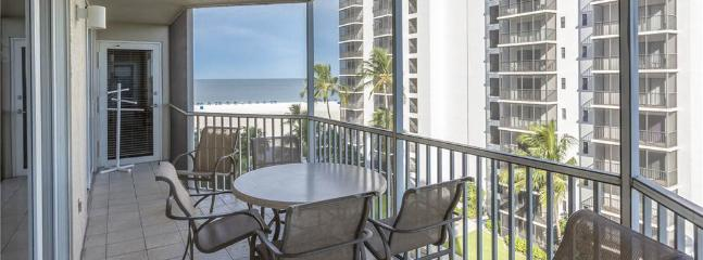 Gullwing 602, 3 Bedrooms, Gulf Front, Elevator, Heated Pool, Sleeps 8 - Image 1 - Fort Myers Beach - rentals