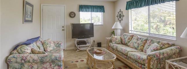 Lazy Way 395, 2 Bedrooms, Fifth Floor, WiFi, Sleeps 6 - Image 1 - Fort Myers Beach - rentals