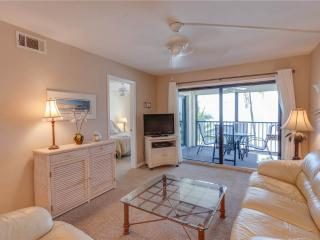 Seaside 204, 2 Bedrooms, Gulf Front, Elevator, Heated Pool, Sleeps 4 - Fort Myers Beach vacation rentals