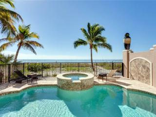 La Casa Bonita, 5 Bedrooms, GulfFront,Heated Pool, Elevator, Spa, Sleeps 10 - Fort Myers Beach vacation rentals