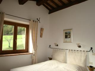 Country Farmhouse Surrounded by Tuscan Hills - Proceno - Bracciano - Proceno vacation rentals