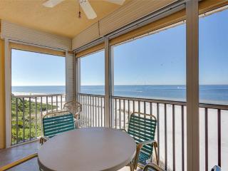 Vacation Villas 632, 1 Bedroom, BeachFront, Heated Pool, Elevator, Sleeps 4 - Fort Myers Beach vacation rentals