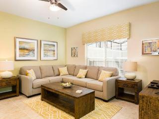 Storey Lake 4859, Luxury 4 Bedrooms, Private Pool, near parks, Sleeps 8 - Okahumpka vacation rentals