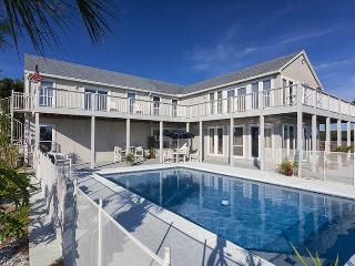 Buccaneer Retreat, 6 Bedrooms, Private Pool, Boat Dock, Weddings, Sleeps 14 - Jacksonville Beach vacation rentals