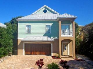 Seaside Escape, 5 Bedrooms, Crow's Nest, WiFi, Sleeps 10 - Saint Augustine vacation rentals