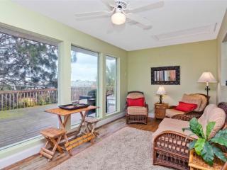Mad Lar Beach House, 4 Bedrooms, Ocean View, WiFi, Sleeps 12 - Saint Augustine vacation rentals