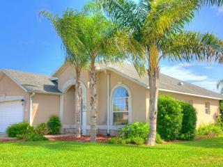 Ocean Drive Princess, 3 Bedroom, Walk to Beach, Pet Friendly,WiFi, Sleeps 6 - Saint Augustine Beach vacation rentals