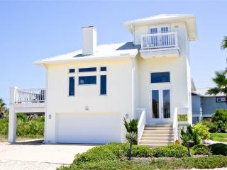 Coastal Cottage, 3 Bedrooms, Ocean View, WiFi, Sleeps 7 - Flagler Beach vacation rentals