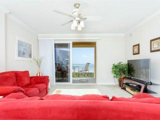 Surf Club III 505, 3 Bedrooms, Ocean Front, 5th Floor, Pool, WiFi, Sleeps 6 - Palm Coast vacation rentals