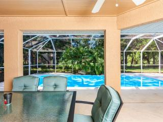 Wood Haven, Private Pool, 3 Bedrooms, Slees 8, HDTV, Wifi - Palm Coast vacation rentals