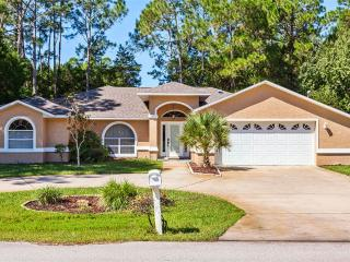 Wood Haven, 3 Bedrooms, Private Pool, WiFi, Sleeps 8 - Palm Coast vacation rentals