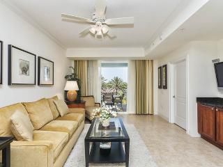 Yacht Harbor 367, 2 Bedrooms, Intracoastal View, Pool, WiFi, Sleeps 6 - Palm Coast vacation rentals