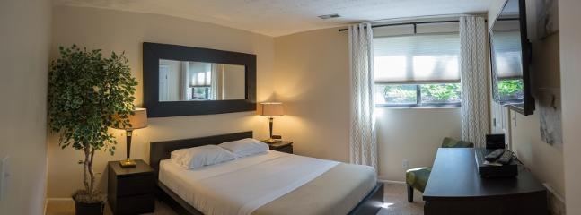 2 Bdrm W/Garage Great for relocation - Cincinnati vacation rentals