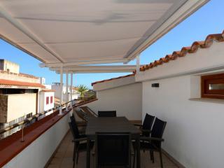 3 bedroom Condo with Internet Access in L'Escala - L'Escala vacation rentals