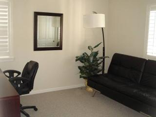 Furnished Luxury Condo With 2 Bedrooms, 1 Bathrooms - Parking Included - Walnut Creek vacation rentals