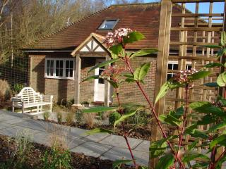 DEERKEEPERS  2 bedroom luxury holiday cottage - Sharpthorne vacation rentals