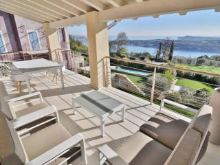 Lake Garda View Apartment with super swimming pool - Salò vacation rentals
