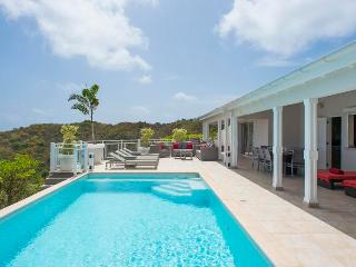 Located in the beautiful heights of Marigot - Marigot vacation rentals