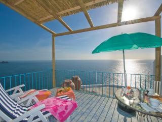Bright 1 bedroom Praiano House with Internet Access - Praiano vacation rentals
