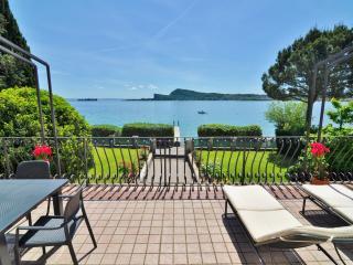 Villa Gardiola Lake Garda - San Felice del Benaco vacation rentals
