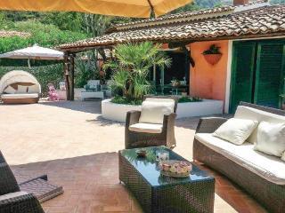 Villa con vista mare , spiaggia a 50 metri - Parghelia vacation rentals