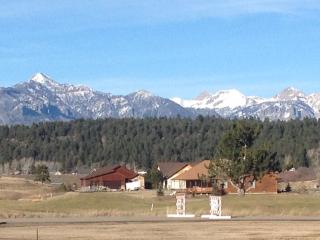 Stunning Pagosa Peak View II Foosball Fireplace HOT TUB GREAT HOUSE GREAT VIEWS! - Pagosa Springs vacation rentals