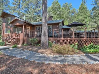 Soothing Solitude & Soaring Views in Family Cabin & Cottage on 9 Acres, by Lake - Bass Lake vacation rentals