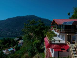 Perfect 5 bedroom Cottage in Bhimtal with Internet Access - Bhimtal vacation rentals