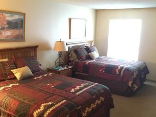 1 BR Walking Distance to Ski Lift - Sleeps 4 - Copper Mountain vacation rentals