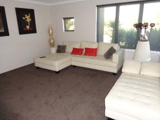 Spacious Beach House with free WIFI - Perth vacation rentals