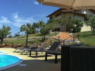 4 bedroom Villa with Internet Access in Sassofeltrio - Sassofeltrio vacation rentals