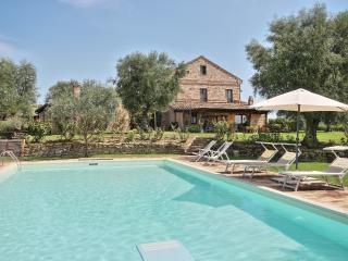 Spacious 5 bedroom Vacation Rental in Fermo - Fermo vacation rentals
