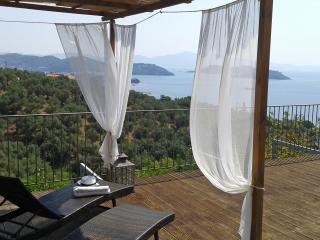 Amazing suite,private pool,stunning sea view. - Katsarou vacation rentals
