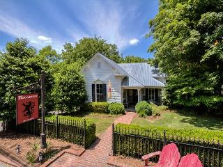 2BR/2BA Brigadoon: Stunning Cottage in the Center of Leiper's Fork - Franklin vacation rentals